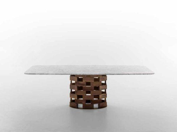 Tavoli fissi con base in piano rettangolare sagomato in legno massello – Colosseo